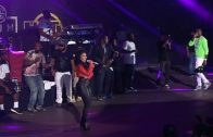 "Meek Mill & Nicki Minaj Say ""I Love You"" On Summer Jam Stage"