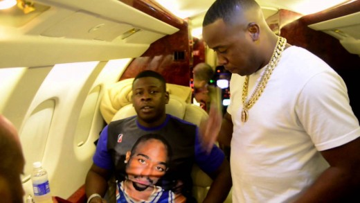 "Yo Gotti Welcomes ""Blac Youngsta"" To CMG & Signs Contract On Private Jet!"