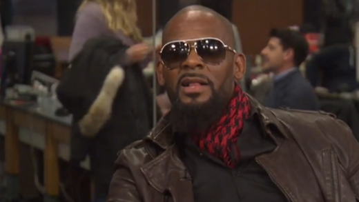 R.-Kelly-Walks-Out-Of-HuffPost-Live-Interview